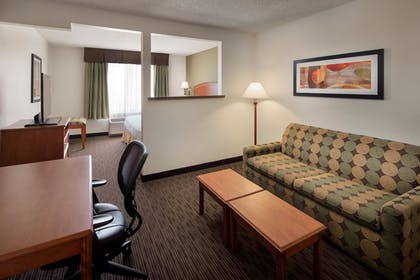 Guestroom | Best Western Plus Denver International Airport Inn & Suites