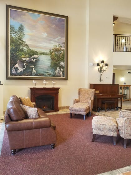 Lobby Sitting Area | Best Western Gateway Grand