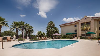 Pool | Best Western Gateway Grand