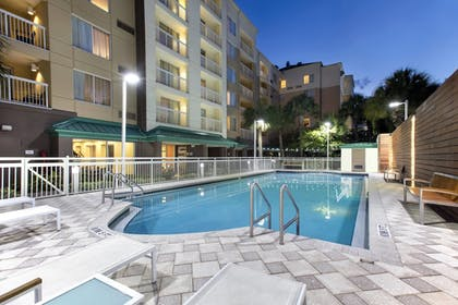 Pool | Courtyard by Marriott Orlando Downtown
