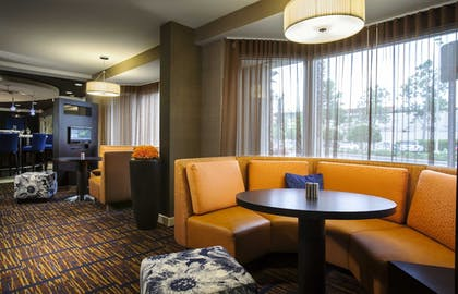 Lobby Sitting Area | Courtyard by Marriott Orlando Downtown