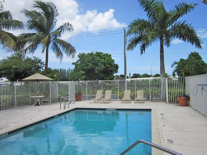 Pool | Extended Stay America-West Palm Beach- Northpoint Corp Park