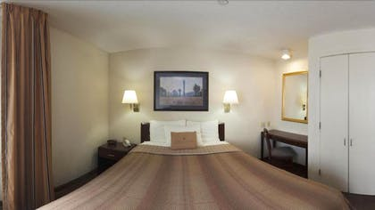 Guestroom | Candlewood Suites Boston-Braintree