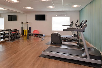 Fitness Facility | Holiday Inn Express & Suites Omaha - 120th and Maple