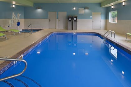 Pool | Holiday Inn Express & Suites Omaha - 120th and Maple