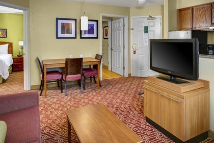 Guestroom | Towneplace Suites By Marriott Cleveland Westlake