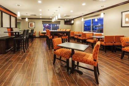 Restaurant | Holiday Inn Express Hotel & Suites Rapid City