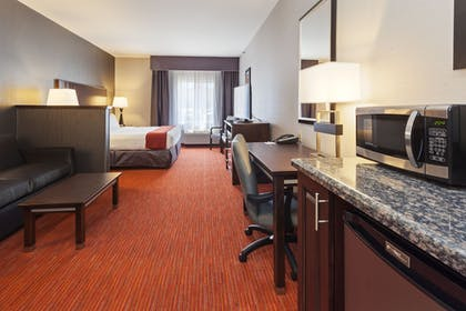 Guestroom | Holiday Inn Express Hotel & Suites Rapid City