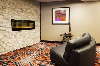 Lobby Sitting Area | Holiday Inn Express Hotel & Suites Rapid City