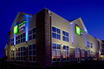 Featured Image | Holiday Inn Express Hotel & Suites Rapid City