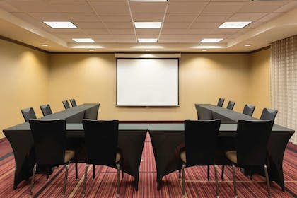 Meeting Facility | La Quinta Inn & Suites by Wyndham Memphis Primacy Parkway