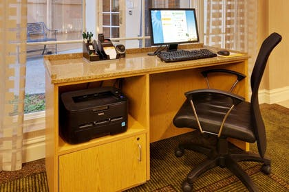 Business Center | La Quinta Inn & Suites by Wyndham Fremont / Silicon Valley