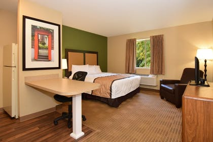 Guestroom | Extended Stay America Fort Lauderdale - Cypress Crk -6th Way