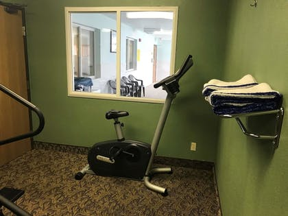 Fitness Facility | SureStay Plus Hotel by Best Western Bettendorf