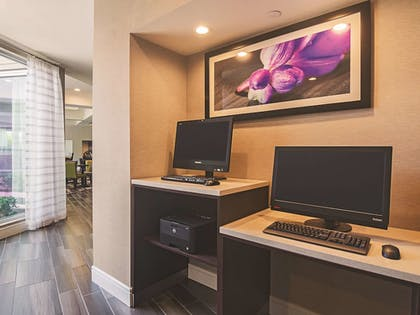 Business Center | La Quinta Inn & Suites by Wyndham Oklahoma City - NW Expwy