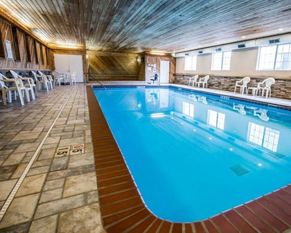 Pool   Comfort Inn And Suites Riverview