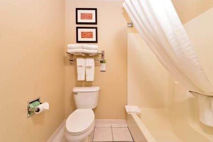 Bathroom   Comfort Inn And Suites Riverview