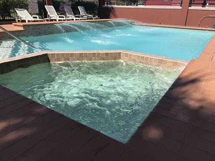 Outdoor Spa Tub | Quality Suites Cy - Fair at Jones Road