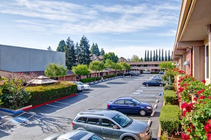 Parking | Pacific Inn of Redwood City