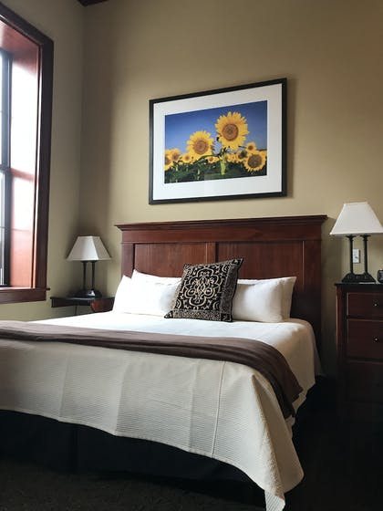 Guestroom | The Eldridge Hotel