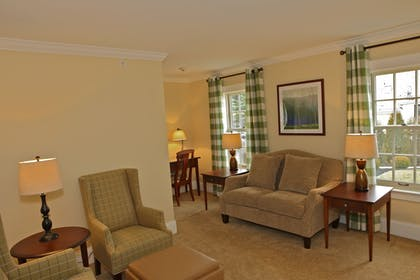 Living Area | Publick House Historic Inn and Country Motor Lodge