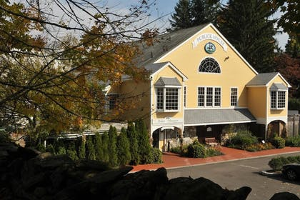 Property Grounds | Publick House Historic Inn and Country Motor Lodge