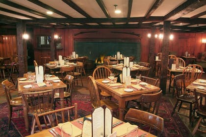 Restaurant | Publick House Historic Inn and Country Motor Lodge