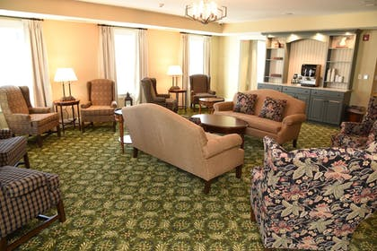 Lobby Sitting Area | Publick House Historic Inn and Country Motor Lodge