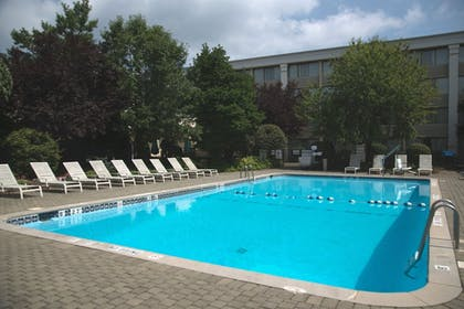 Pool | Holiday Inn Hotel & Suites Parsippany Fairfield