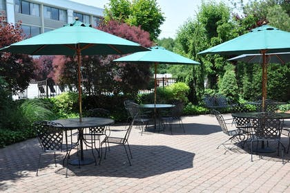 Property Grounds | Holiday Inn Hotel & Suites Parsippany Fairfield