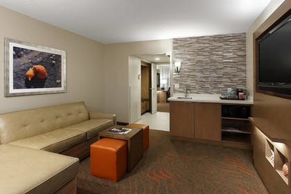 Living Area | Clearwater Beach Marriott Suites on Sand Key