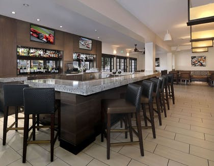 Bar | Embassy Suites Hotel Palm Desert
