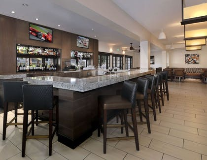 Hotel Bar | Embassy Suites Hotel Palm Desert