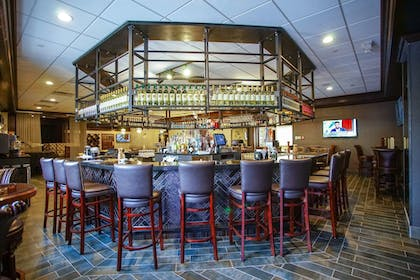 Hotel Bar | Best Western Plus Fairfield Executive Inn
