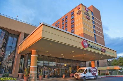 Hotel Front | Best Western Plus Hotel & Conference Center