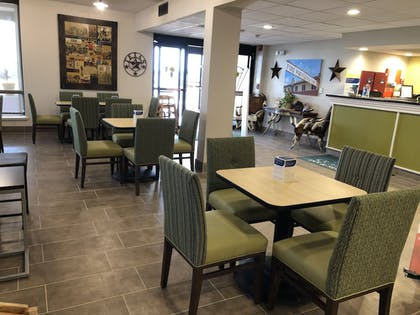 Lobby | The Cattle Baron's Quality Inn Hotel & Suites Ft Worth