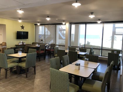 Breakfast Area | The Cattle Baron's Quality Inn Hotel & Suites Ft Worth