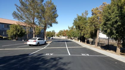 Parking | Baymont by Wyndham Barstow Historic Route 66