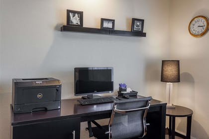 Business Center | Baymont by Wyndham Barstow Historic Route 66