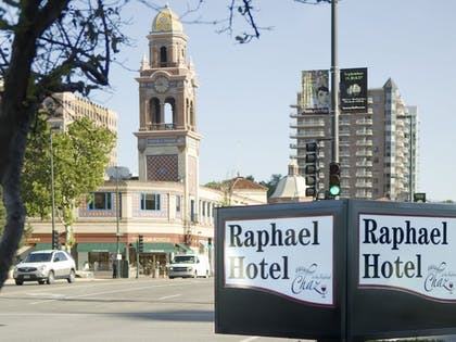 Street View   The Raphael Hotel, Autograph Collection