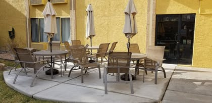 Terrace/Patio | Best Western Airport Albuquerque InnSuites Hotel & Suites