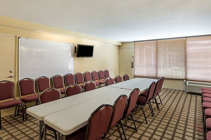 Meeting Facility | Executive Thibodaux New Orleans Hotel