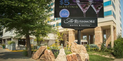 Hotel Front | The Rushmore Hotel & Suites, BW Premier Collection