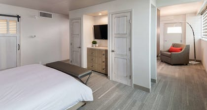Guestroom | The Rushmore Hotel & Suites, BW Premier Collection