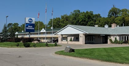 Hotel Front | Best Western of Whitmore Lake