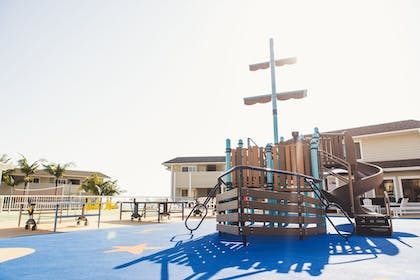 Childrens Play Area - Outdoor | Pismo Lighthouse Suites