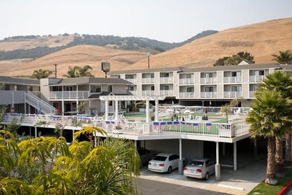 Parking | Pismo Lighthouse Suites