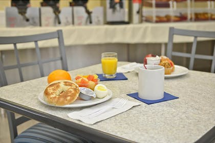 Breakfast Meal | Pismo Lighthouse Suites