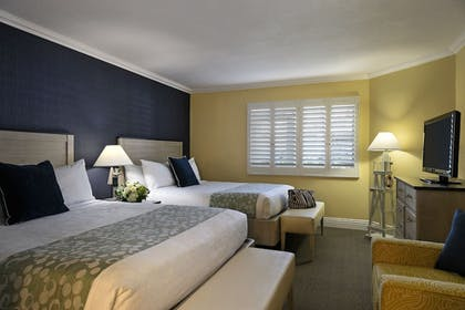 Guestroom | Pismo Lighthouse Suites