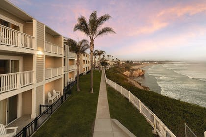 Exterior | Pismo Lighthouse Suites